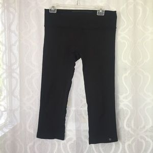Brooks Pure Project Black Capri Leggings
